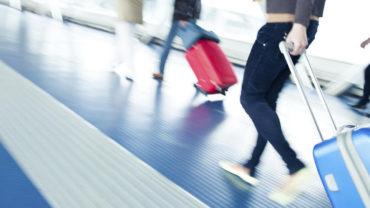 asi-nos-han-enganado-con-los-viajes-en-avion-compara-el-pasado-y-el-presente